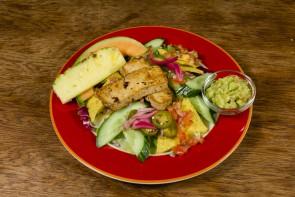 Tofu-salaatti