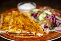 Quesadillas Chili con Pork ylikypsästä possun niskasta
