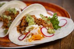 Soft Tacos Chili con Pork ylikypsästä possun niskasta (L,PG)