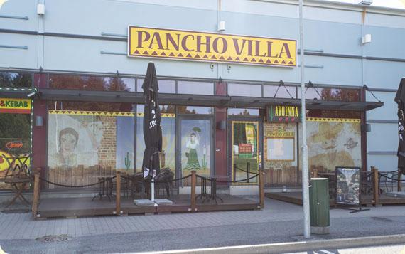 Ravintola Pancho Villa Kangasala - sisäänkäynti ja julkisivu